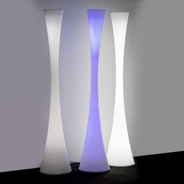 Lampe sur pied lampadaire Biconica Led Rgb par Elio Martinelli
