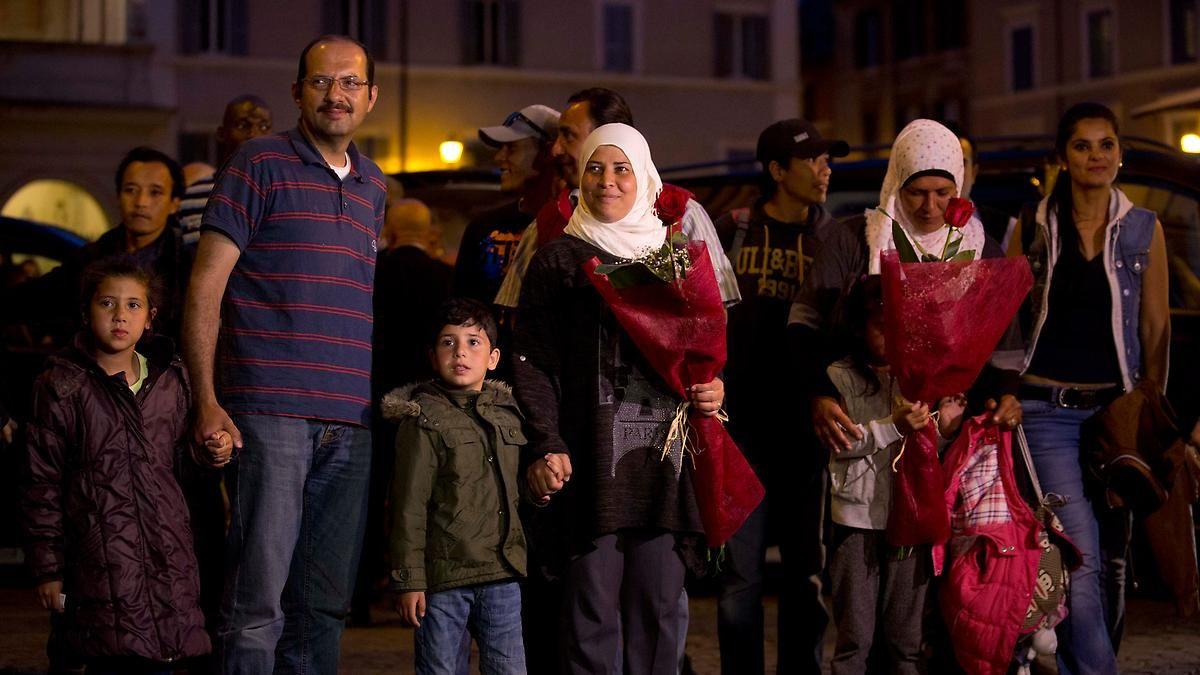 Asyl beim Papst: Flüchtlingsfamilien treffen im Vatikan ein