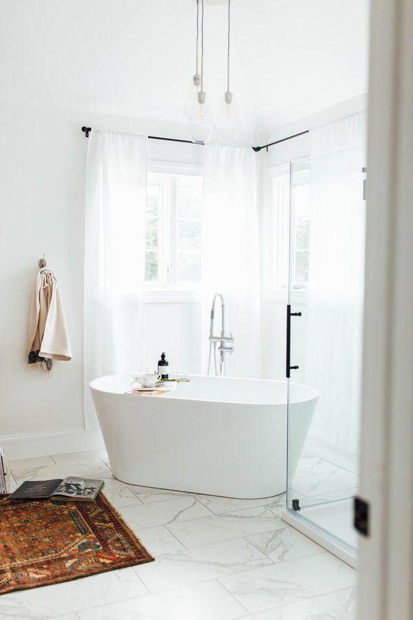 #whitebathroom