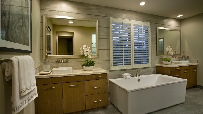 Recharge your batteries and #relax at the end of the work day. #masterbathroom #spa