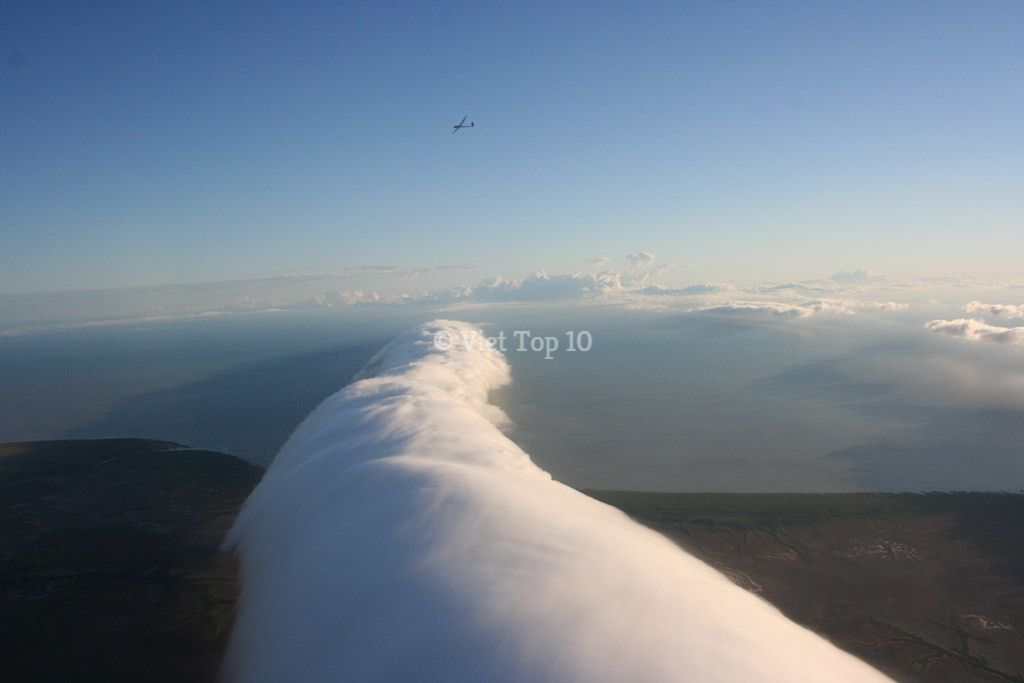 top 10 hiện tượng thiên nhiên kỳ lạ nhất trên trái đất - việt top 10 - việt top 10 net - viettop10