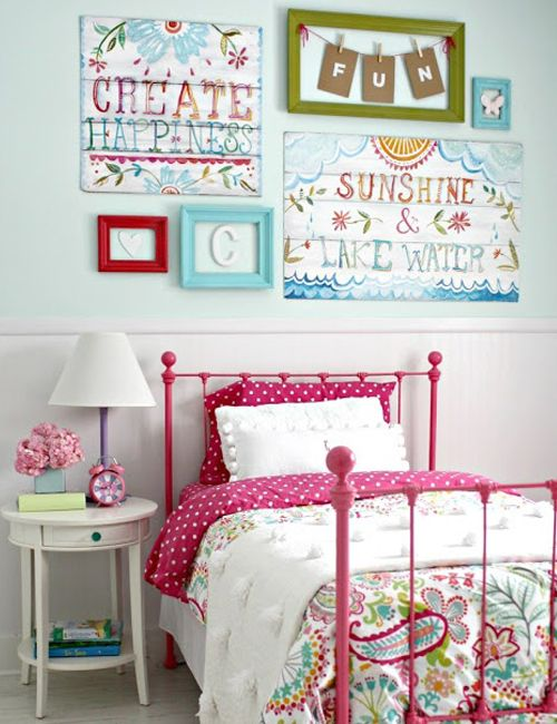 Looking for some fun diy wall art for a girls room? I am loving this big  girl bedroom {makeover} with beautiful wall art.