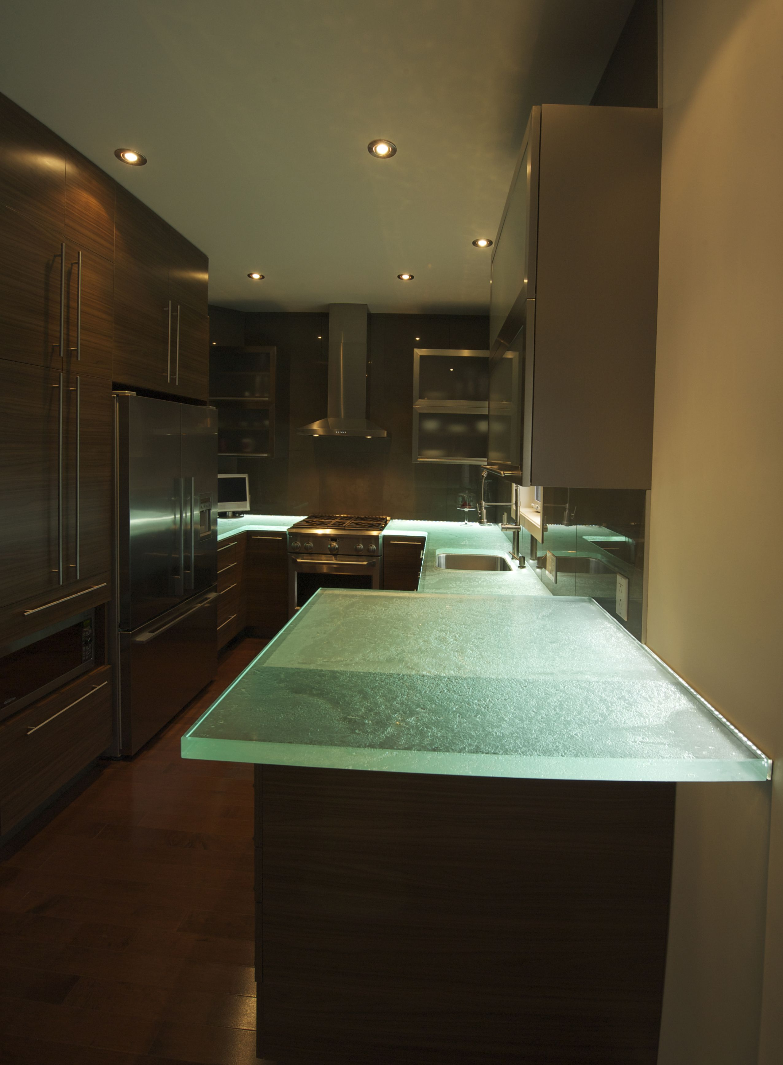 Light up the kitchen with led lights and glass countertops for Small lamps for kitchen counters