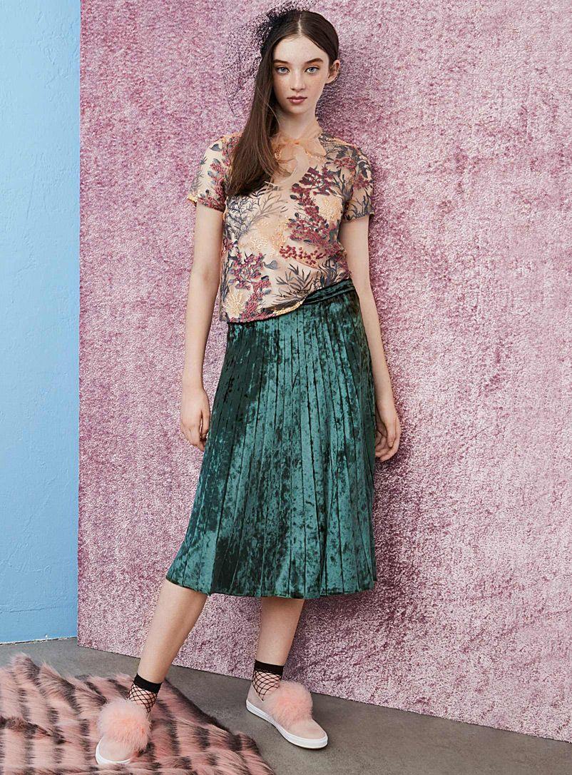 da5fefe388 Crushed velvet pleated midi skirt | Twik | Shop Midi Skirts & Mid-Length  Skirts Online | Simons, Size Large