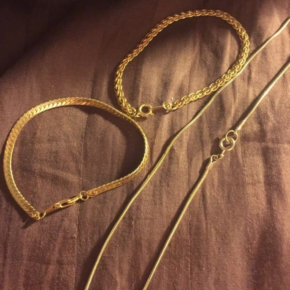 Vintage Faux gold jewelry Perfect for a night out! Jewelry