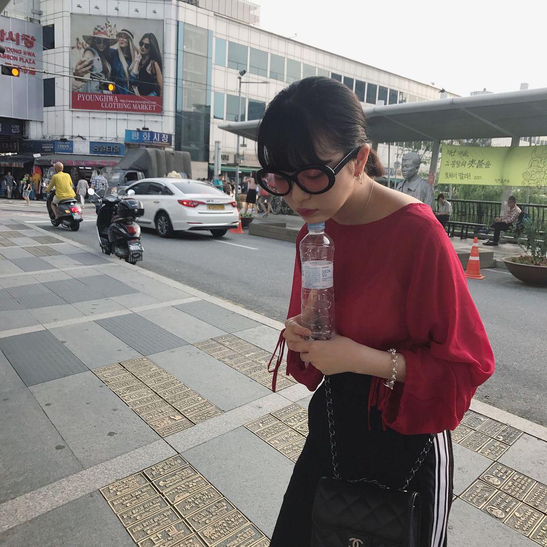 サングラスをかけている田中芽衣