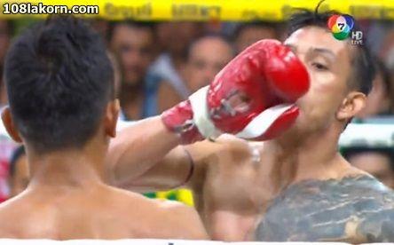 มวยไทย 7 สี วันที่ 20 ธันวาคม 2558 คู่เอก เก่งกล้า ป.เป็กโก้ ชกกับ ฟ้าสีทอง ส.จ.เปี๊ยกอุทัย พิกัด 117 ปอนด์