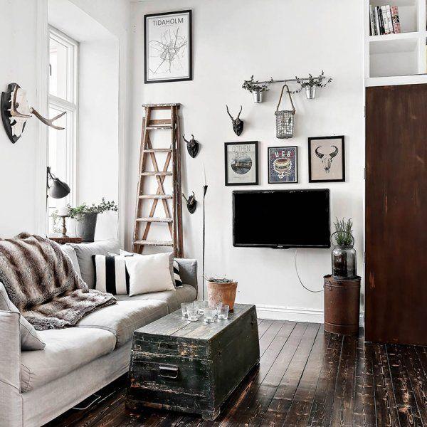 Малък апартамент с индустриални и винтидж акценти