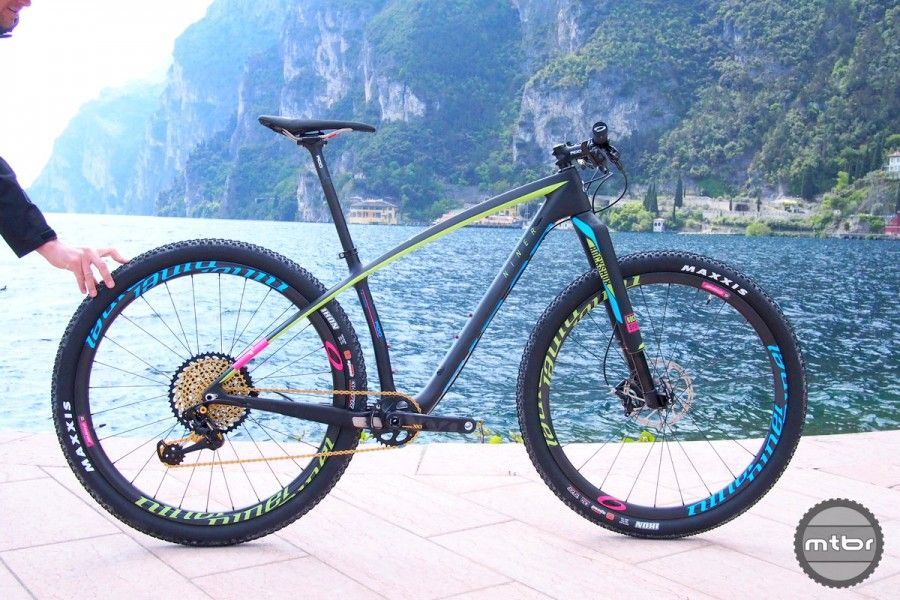 The Niner AIR 9 RDO with SRAM Eagle and Niner Carbon wheels
