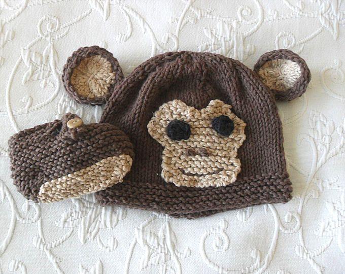 Von Hand gestrickte Baby Monkey Hut und passende Booties gestrickt ...