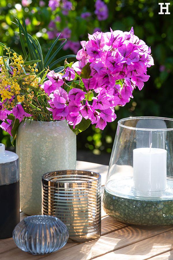 Bunte Frühlingsblumen und unsere schlichten Vasen sind die ...