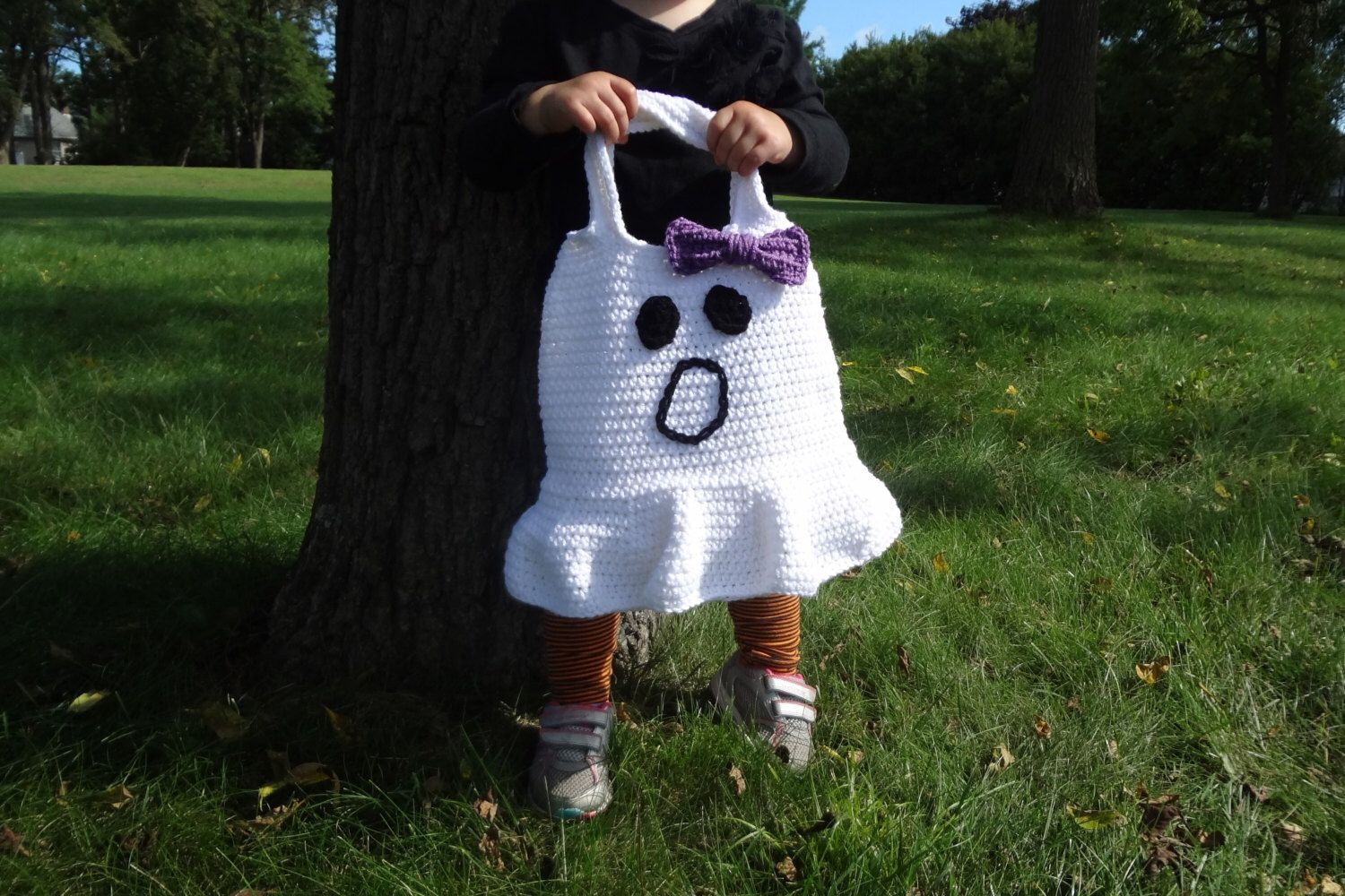 Ghost Halloween Trick-or-Treat Bag - Hand Crocheted by StitchedInADream on Etsy https://www.etsy.com/listing/245470696/ghost-halloween-trick-or-treat-bag-hand