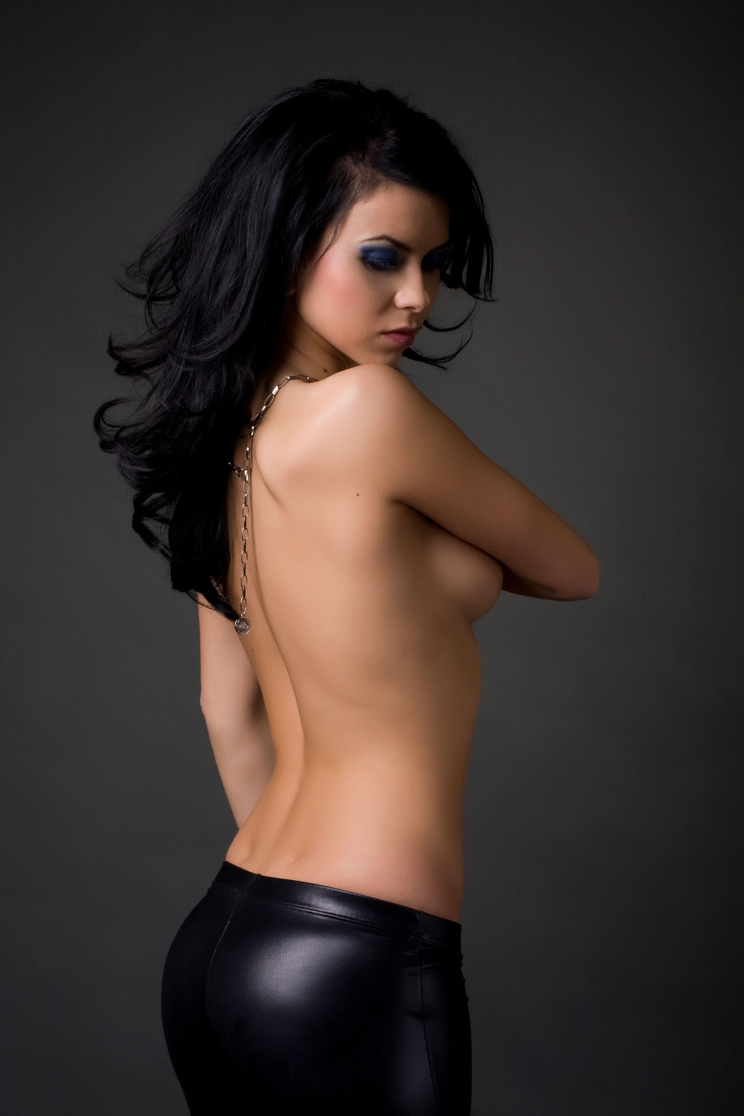 Natalie imbrulia naked