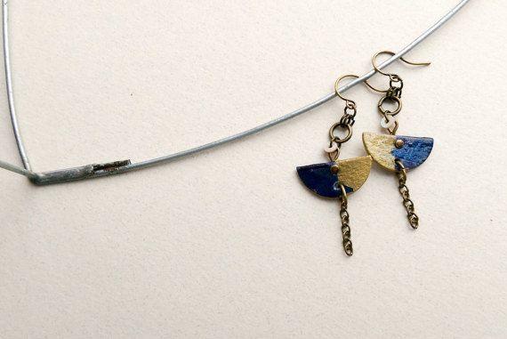 dark blue half circle paper necklace