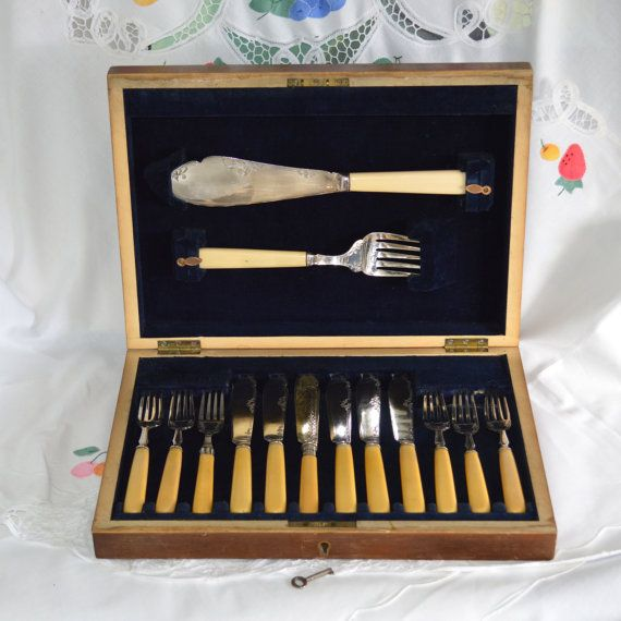 Very Downton Abbey Silver Plated Fish Knives And Forks With Servers