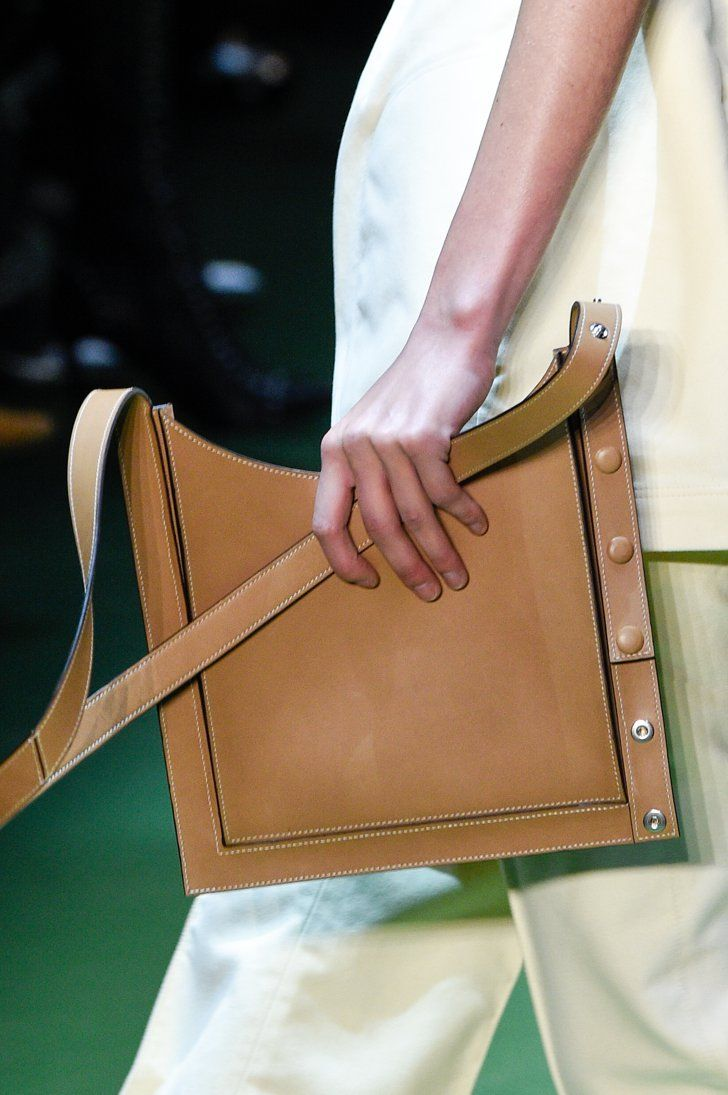 Pin for Later: Seht die neuen It-Bags von Céline! Céline Herbst/Winter 2016