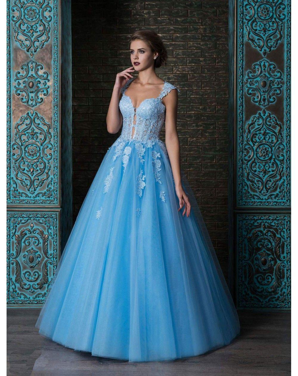 a74bf2e09 Plesové šaty v modrej, ružovej a zelenej farbe s veľkou nadýchanou sukňou z  tylu. Zvršok je vytvorený z čipky.