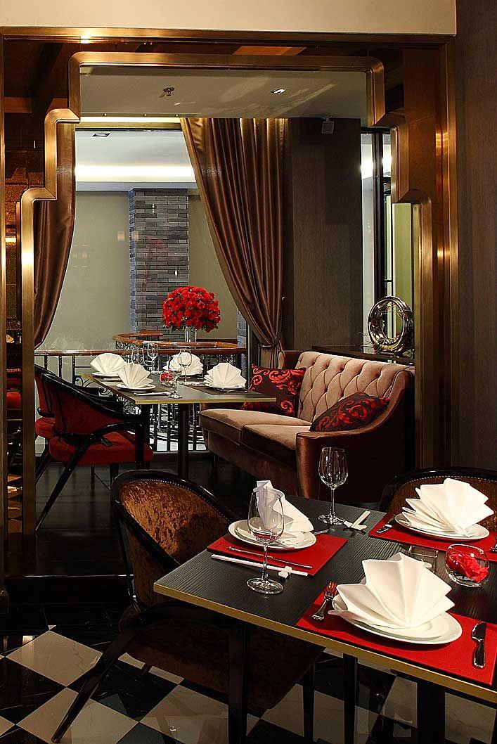The elegant decor at red rose restaurant evokes a 1920 39 s for 1920s hotel decor