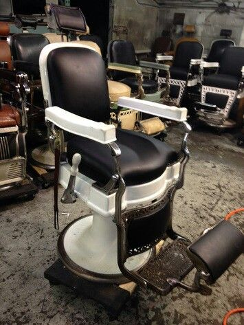 Luxury Design Antique Barber Chair Old Classical With Heavy Duty