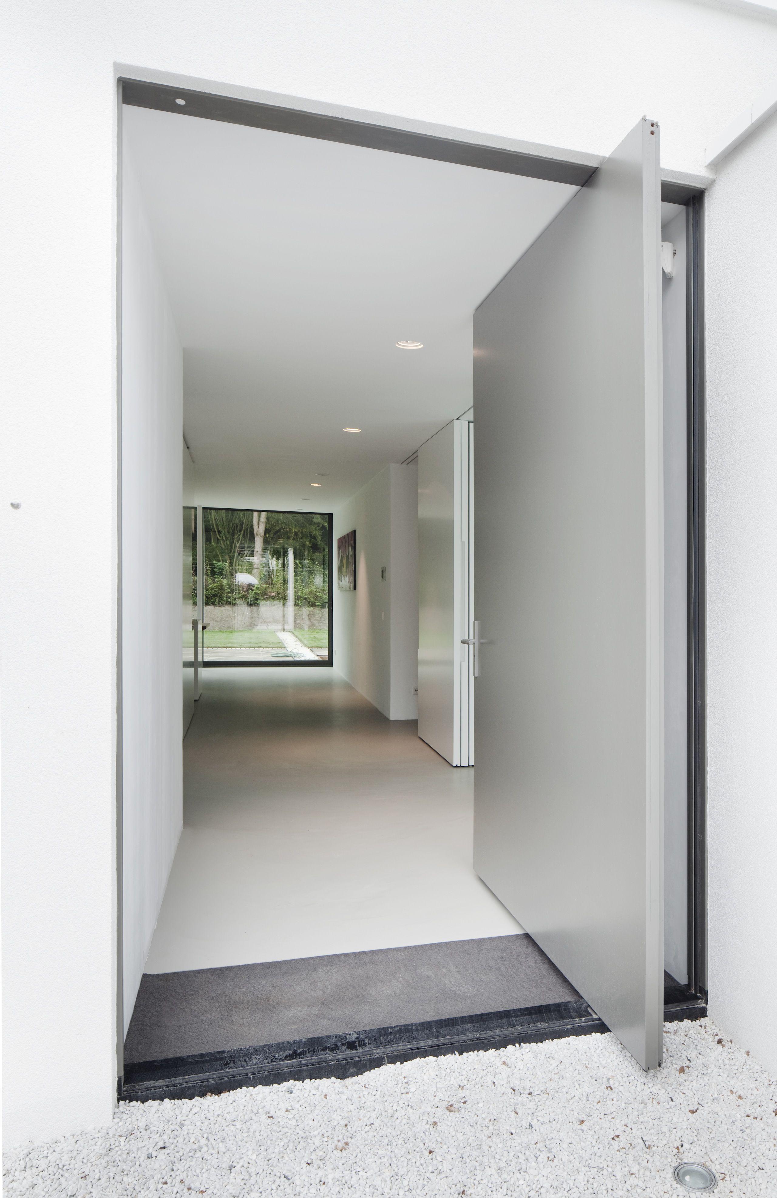 Haus außentor design pivotierende eingangstür  tür  pinterest  pivot doors door