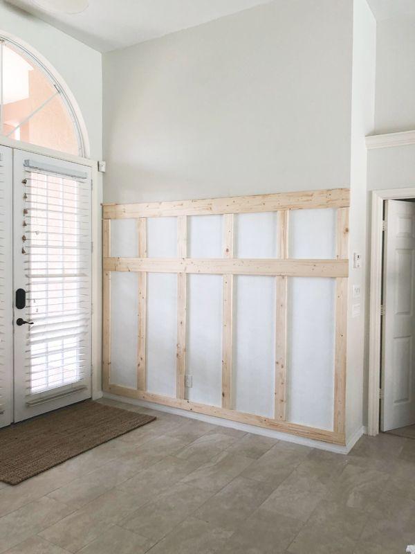 $100 board and batten entryway with hooks #boardandbattenwall
