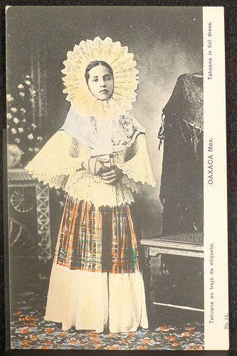 headress of Tehuana women | Flickr: Intercambio de fotos