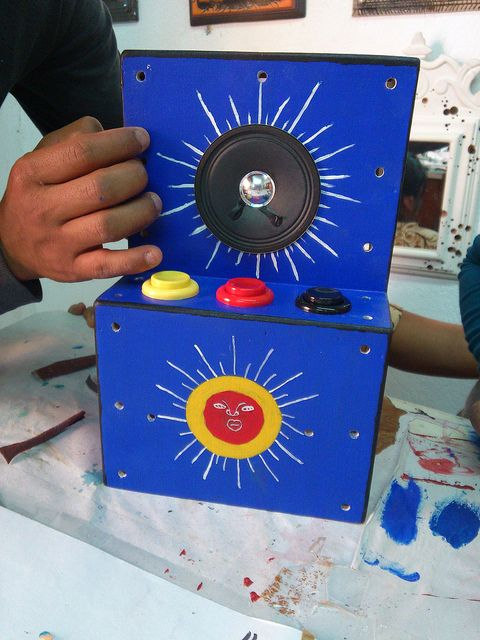 Still no LEDs by dcuartielles, via Flickr    *2012 Arduino WS Zegache http://www.flickr.com/photos/dcuartielles/sets/72157629330844501