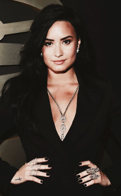 Demi Lovato | Demi lovato, Lovato, Demi
