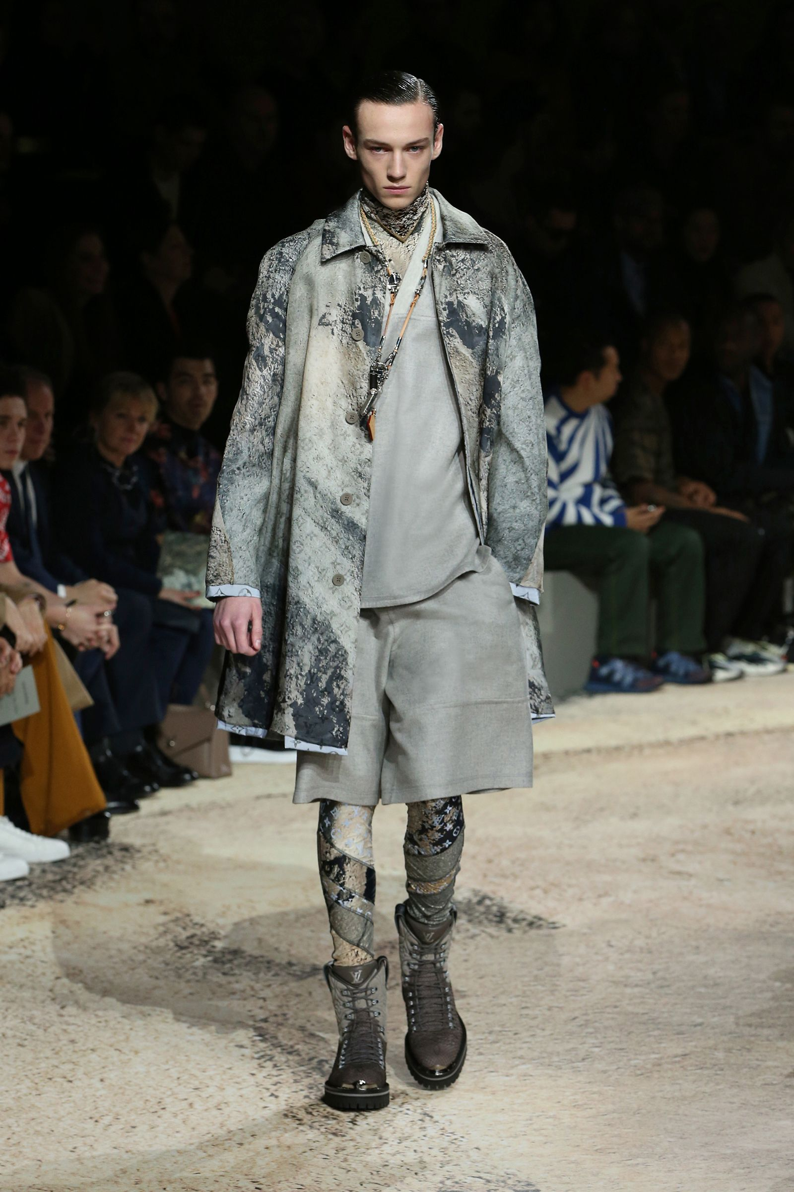 Look from the Louis Vuitton Fall Winter 2018 Collection by Kim Jones ... c92c011b64b