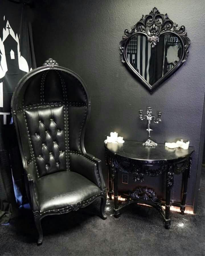 Gothic décor. (With images) | Gothic living rooms, Gothic ...