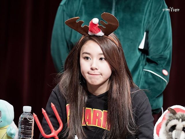 [161211 수원 팬싸인회] Her dimples are so extra✨ #chaeyoung #채영 #twice #트와이스 #PrettyRapstarChaeyoung