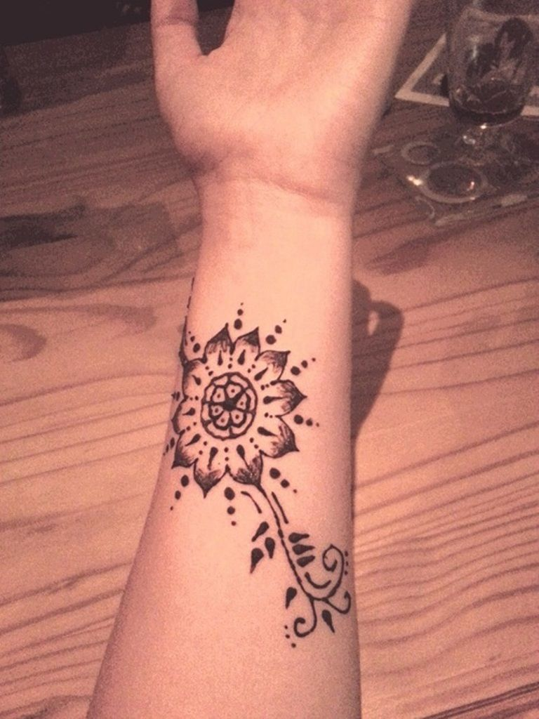 Henna Flower Tattoo Designs Wrist: Best Designer Tattoo On Wrist