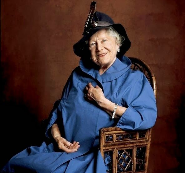 H R H Queen Elizabeth Of Great Britain Nee Lady Elizabeth Bowes Lyon Of The Counts Of Strathmore 1900 2002 The Queen Mum Lady Elizabeth British Monarchy Queen Mother