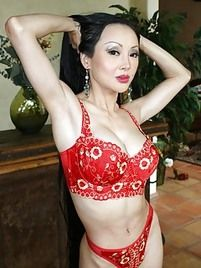 naked-ahins-moms-saudhi-babes-real-nude