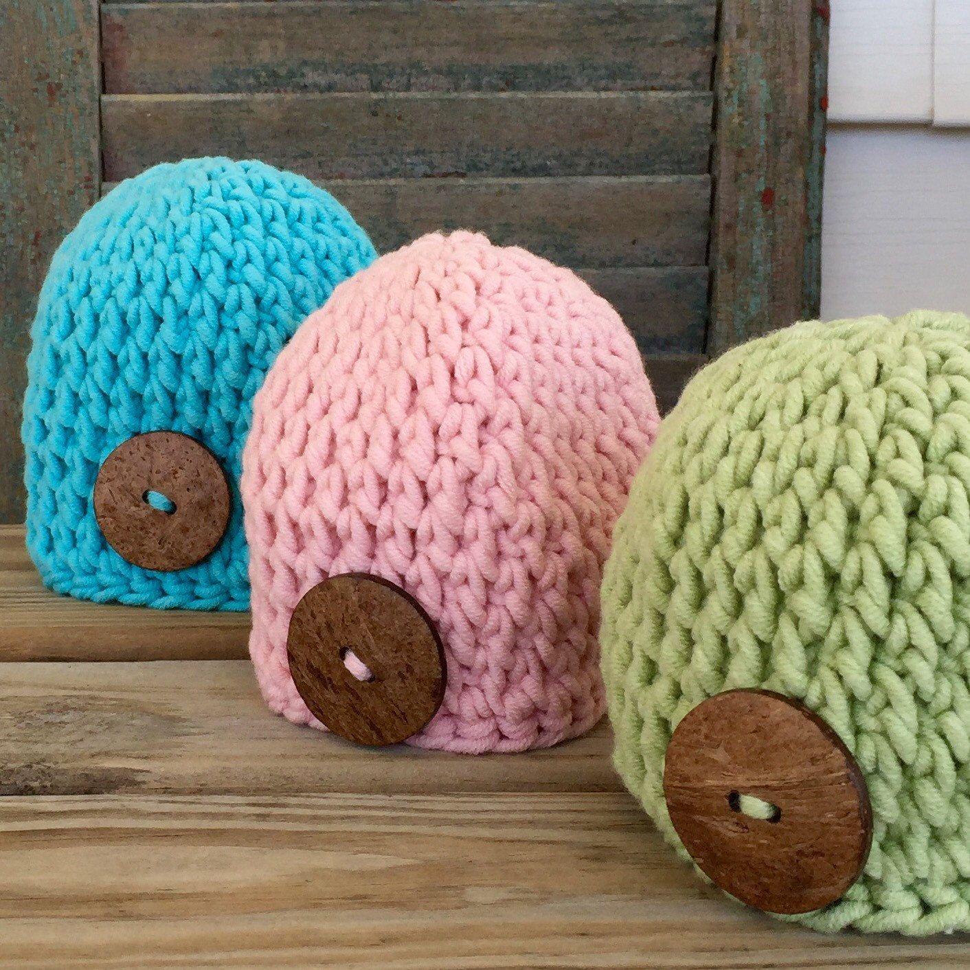 e52aa2ddea9 Purple crochet baby hat with coconut button