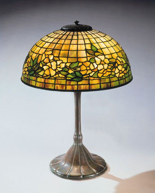 Antique Tiffany Studios Lamp In The Dogwood Pattern This