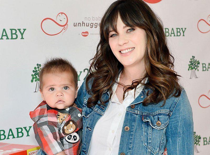 New Girl Actress Zooey Deschanel And Her Family Life Zooey Deschanel Children Zooey Deschanel Family Zooey Deschanel