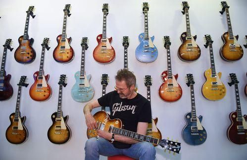 Gibson guitars: Icons of rock 'n' roll #gibsonguitars Gibson guitars: Icons of rock 'n' roll #gibsonguitars