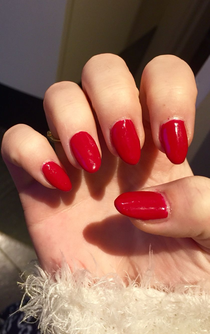 Red round nails! Round nails, Nails, Red