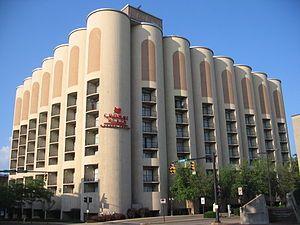 Абрамович гостиница на элеваторе размеры фольксвагена транспортера удлиненной базы