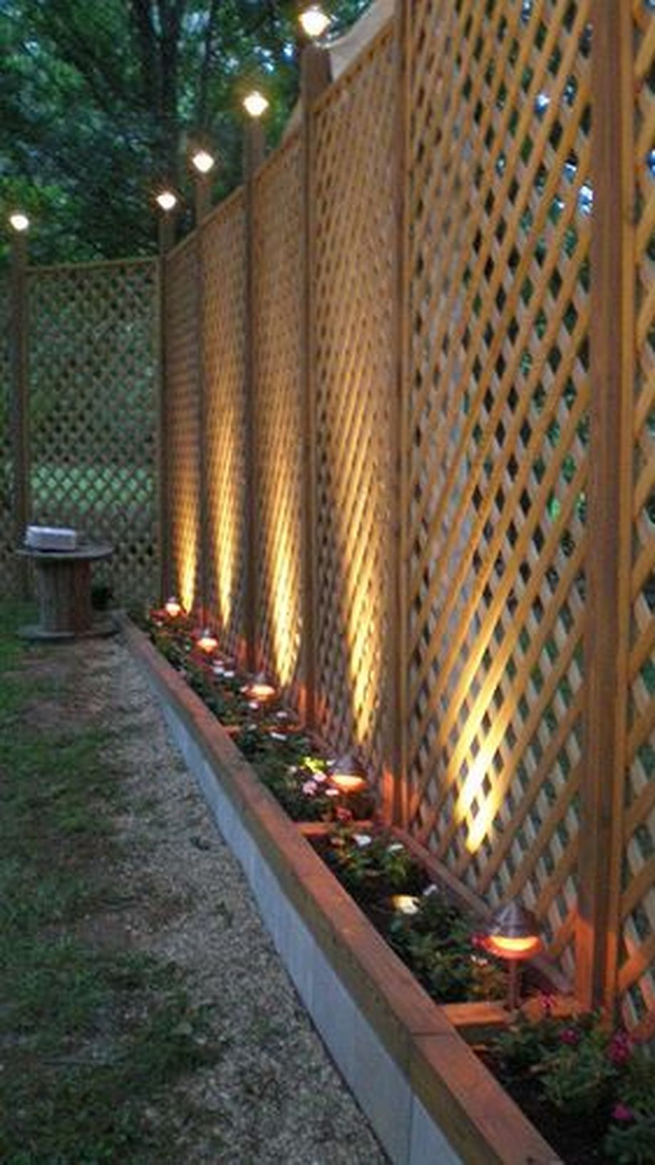 Stunning Privacy Fence Line Landscaping Ideas With Images Backyard Fences Backyard Backyard Privacy