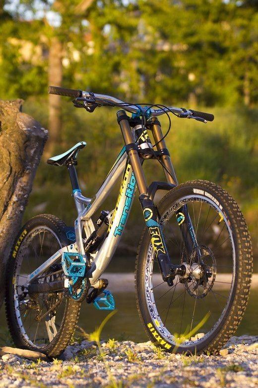 Pin By Liem Osuna On Bikes Downhill Bike Mtb Bike Mountain Bike Rider