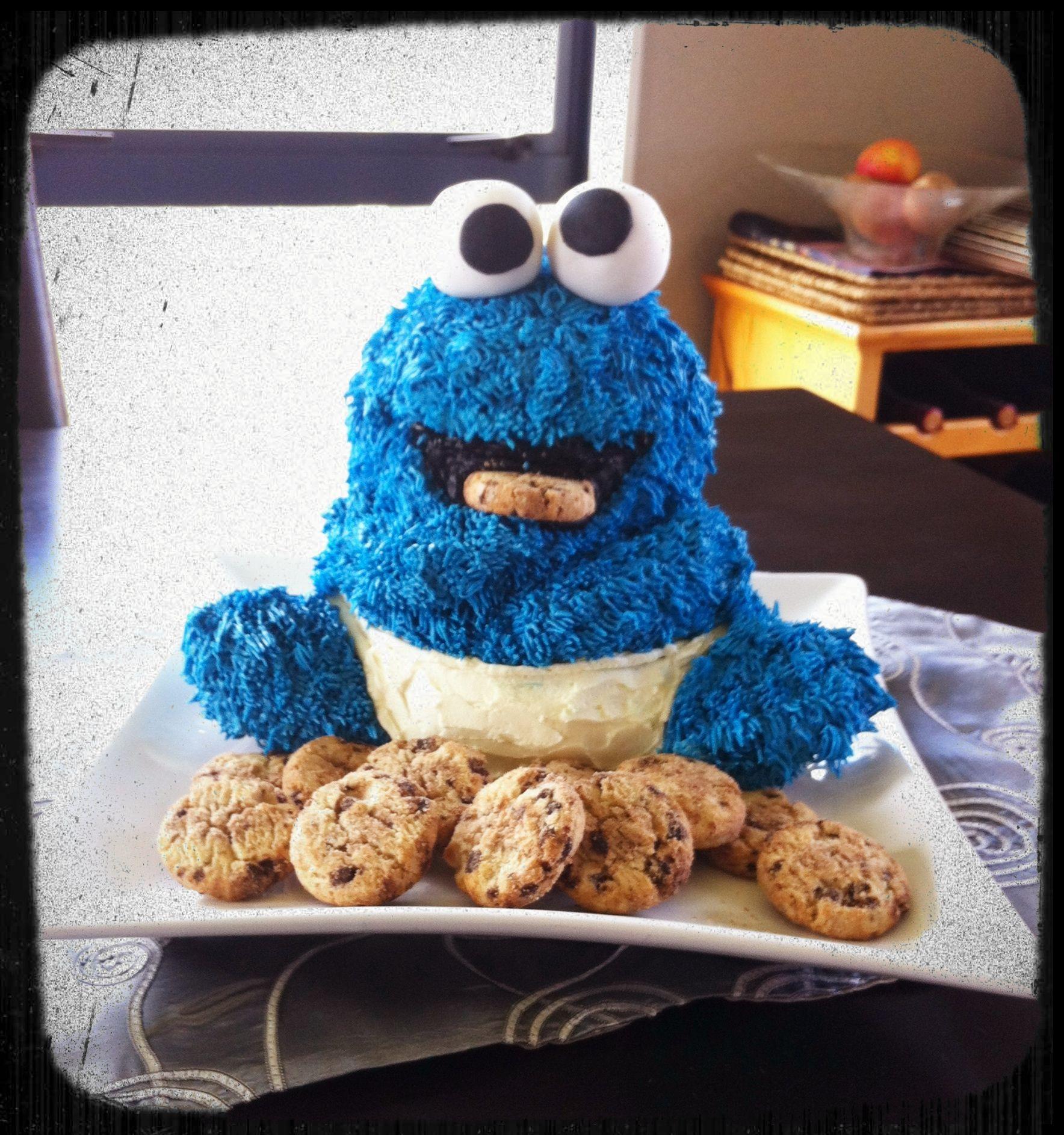 Cookie Monster Cake Using Bear Pan