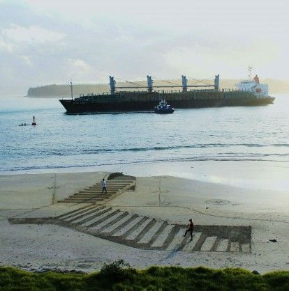 JAMIE HARKINS – AMAZING 3D BEACH ART