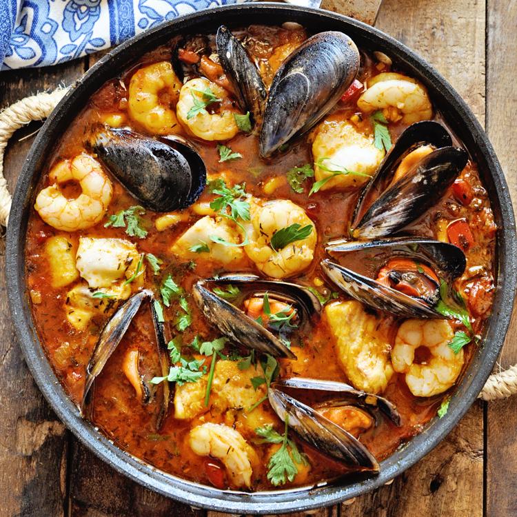 Mediterranean Seafood Stew - Zarzuela de Pescado - Spain on a Fork #seafoodstew
