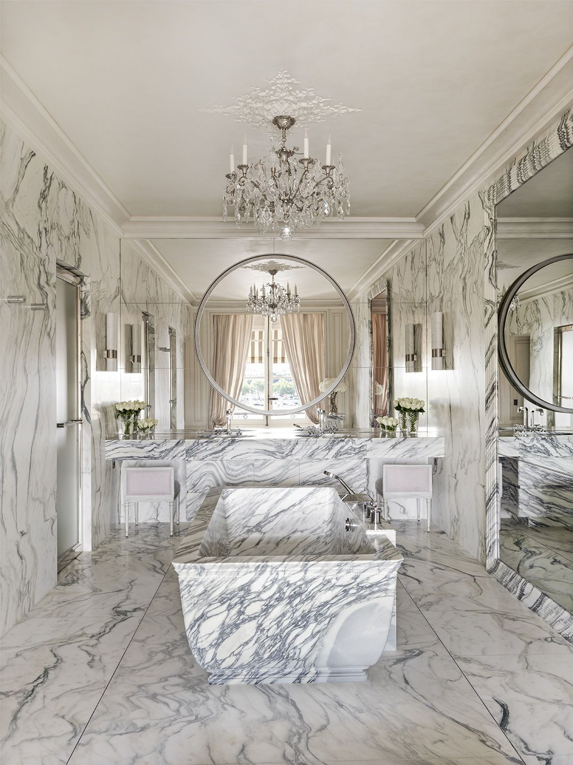 Luxury Hotel Bedrooms: 7 Of The Most Luxurious Hotel Suites In Paris In 2020