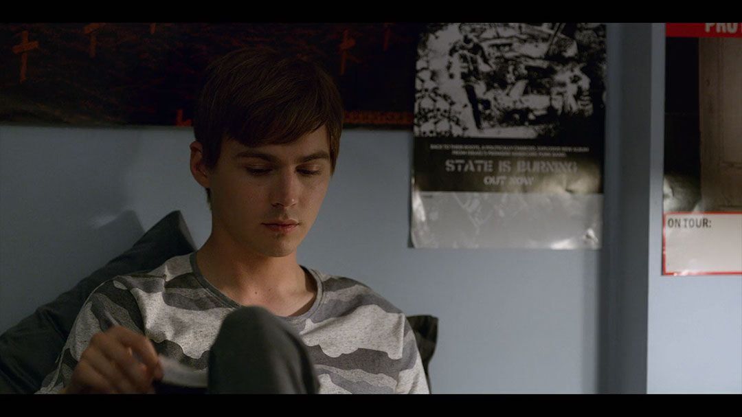 Miles Heizer As Alex Standall In Season 2 Episode 1 Of 13 Reasons