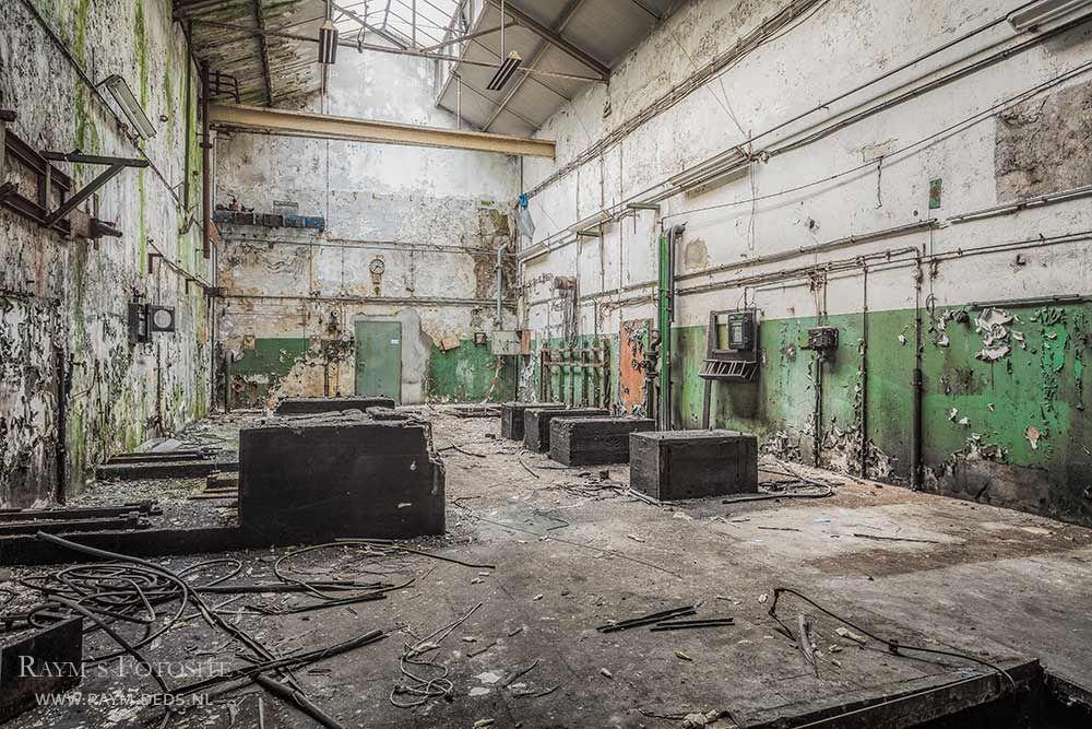 Rubberfabriek, Duitsland, industrie, verlaten, urbex | Verlaten huizen,  Abandoned buildings, Oude verlaten gebouwen