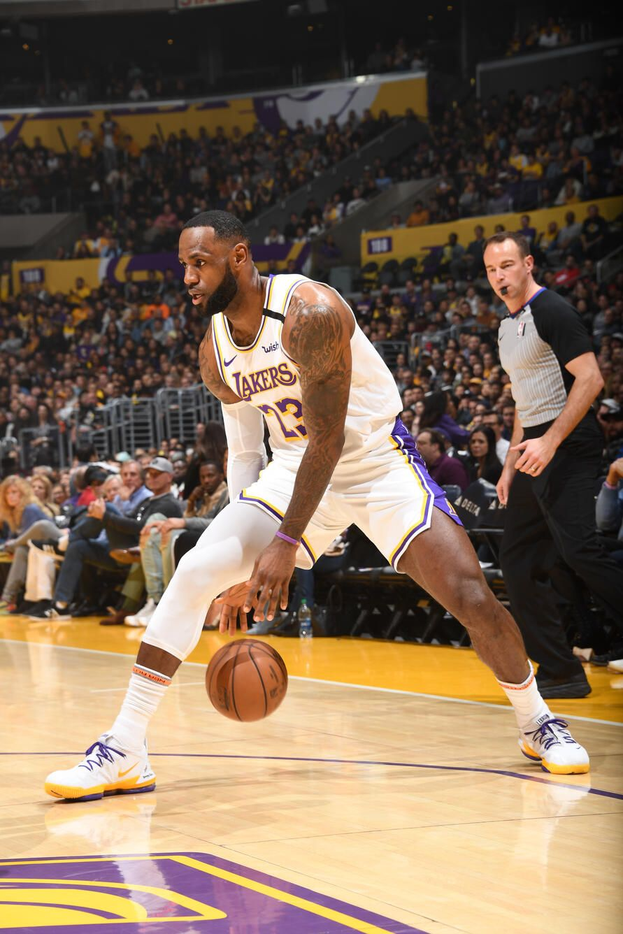 Photos Lakers Vs Pistons 01 05 2020 In 2020 Lebron James