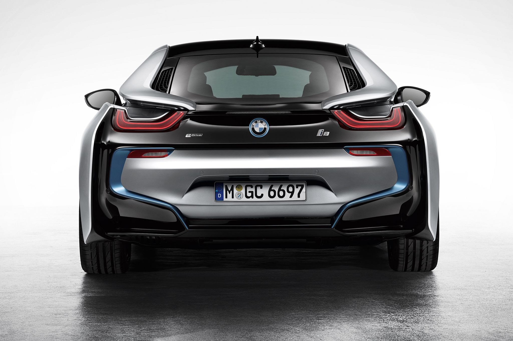 2014 bmw i8 hybrid rear view wallpaper bmw wallpaper bmw i8 bmw rh pinterest com